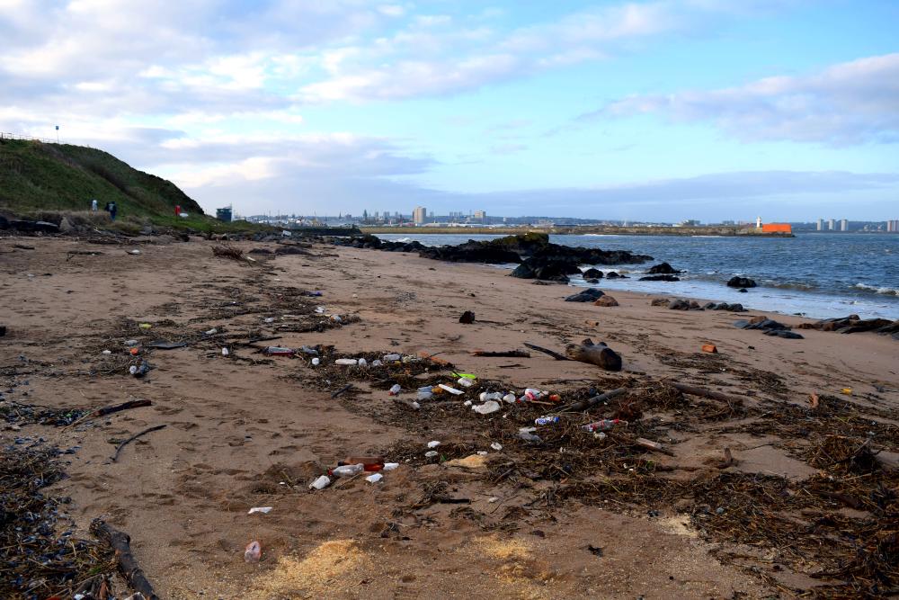 Figure 1: Beach litter on Torry beach, Aberdeen