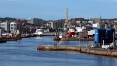 Aberdeen harbour © Colin Moffat